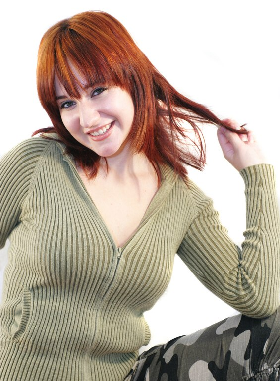 Clothing Tips For Redheads And Colors That Complement Red Hair